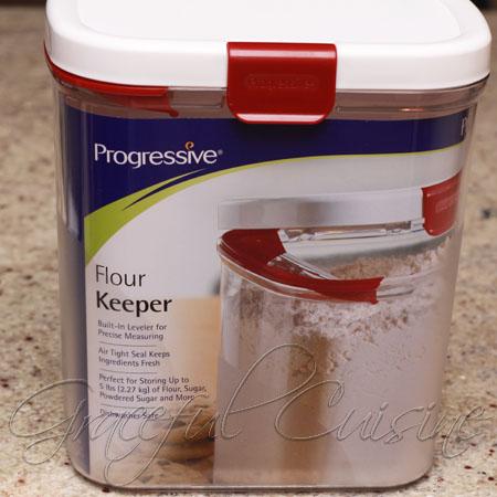 Progressive Flour Keeper