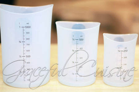 Flex-it measuring cup storage