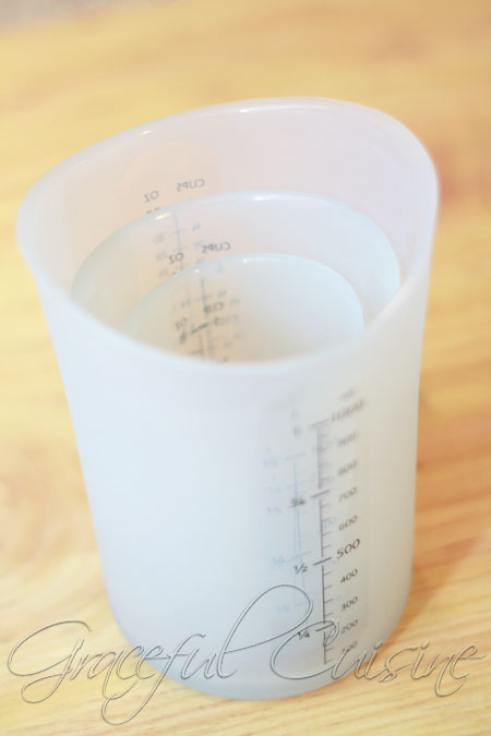 dry measuring cups