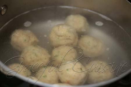 Simmer matzo balls