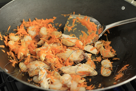 prawns, mushrooms, carrots, and chicken