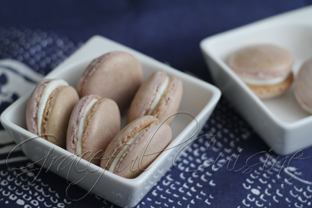 taro macarons with vanilla buttercream
