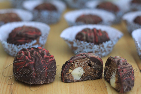 Brain-shaped truffles with hazelnut crunch filling